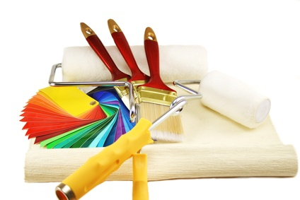 Malerwerkzeug und Farbproben